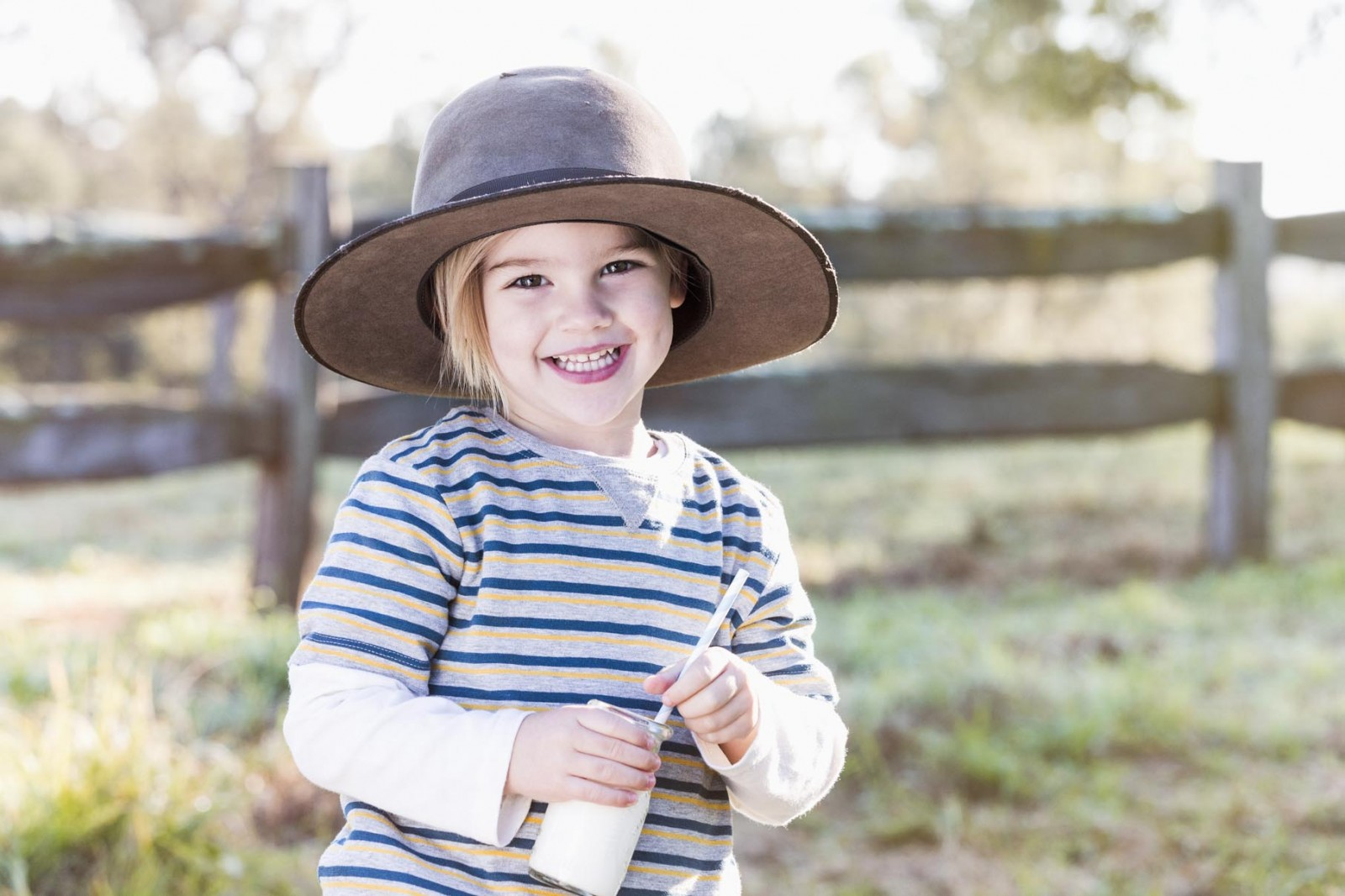 Sydney leading kids lifestyle and fashion photographer Michelle Young shoots the latest lfestyle campaign for Bellamys Organic. Stylist Sheridan Davey. Hair and Makeup Jessica Diez using fabulous...
