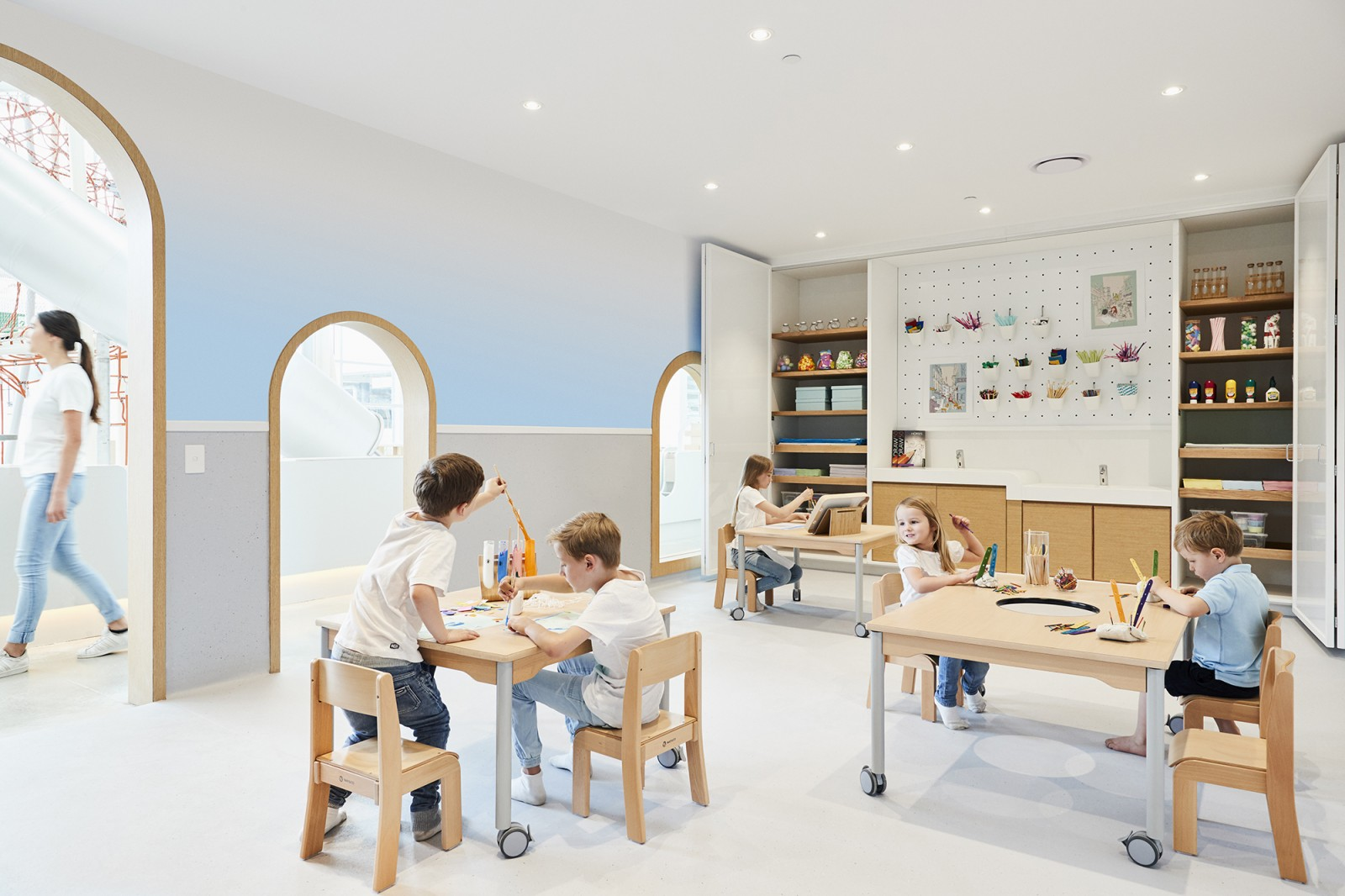 Sydney kids photographer Michelle Young photographs Sydney newest childrens kids play centre in Alexandria NSW Sydney. Michelle Young from Lantern Studio photographed the latest advertising campaign...
