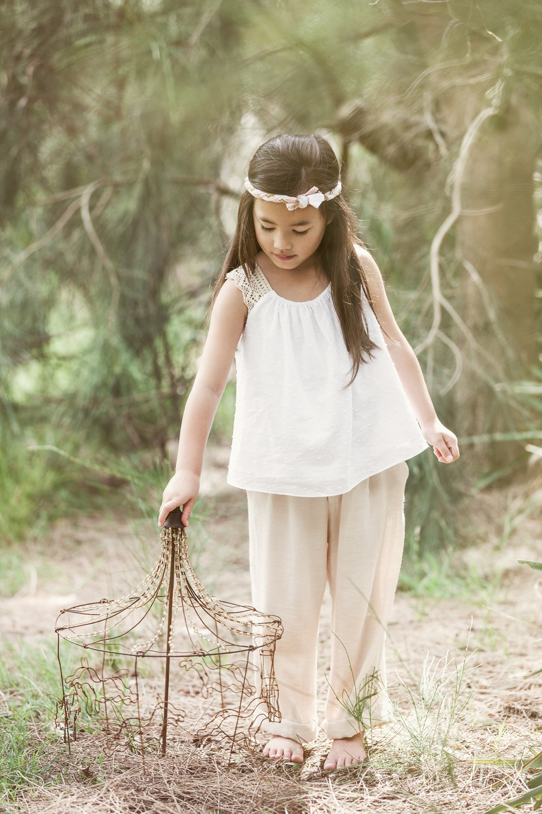 Sydneys leading kids and babies lifestyle and fashion photographer, Michelle Young, photographs the latest kids fashion shoot for international Greek fashion designer Samantha Sotos. Styling and...